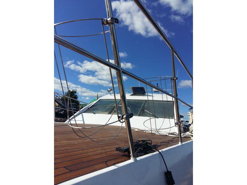 Оборудование и аксессуары для лодок и яхт.